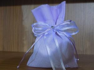 Μπομπονιέρα γάμου πουγκί σε χρωματισμούς  παλ λιλά
